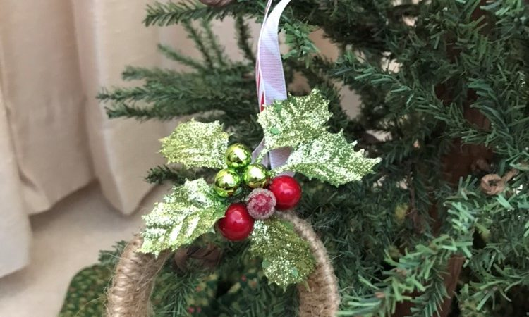 Creating A DIY Christmas Ornament