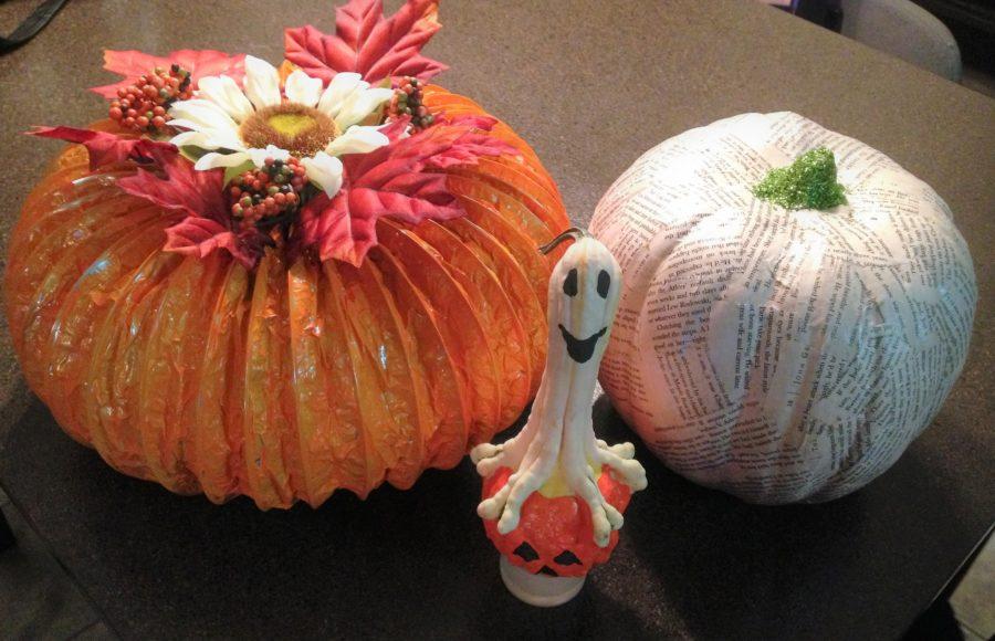 Glitter Up Halloween Pumpkins