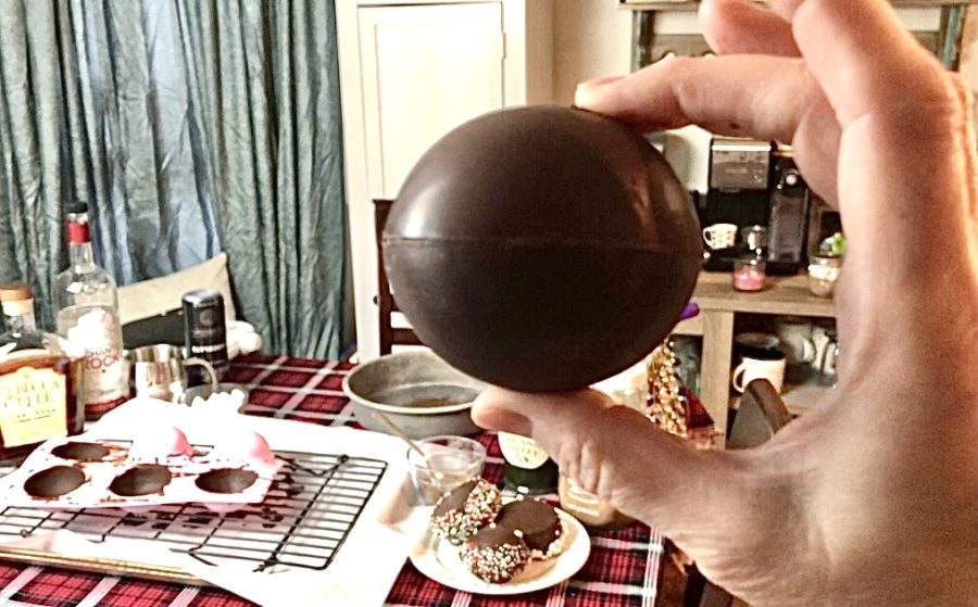 DIY Hot Chocolate Bombs